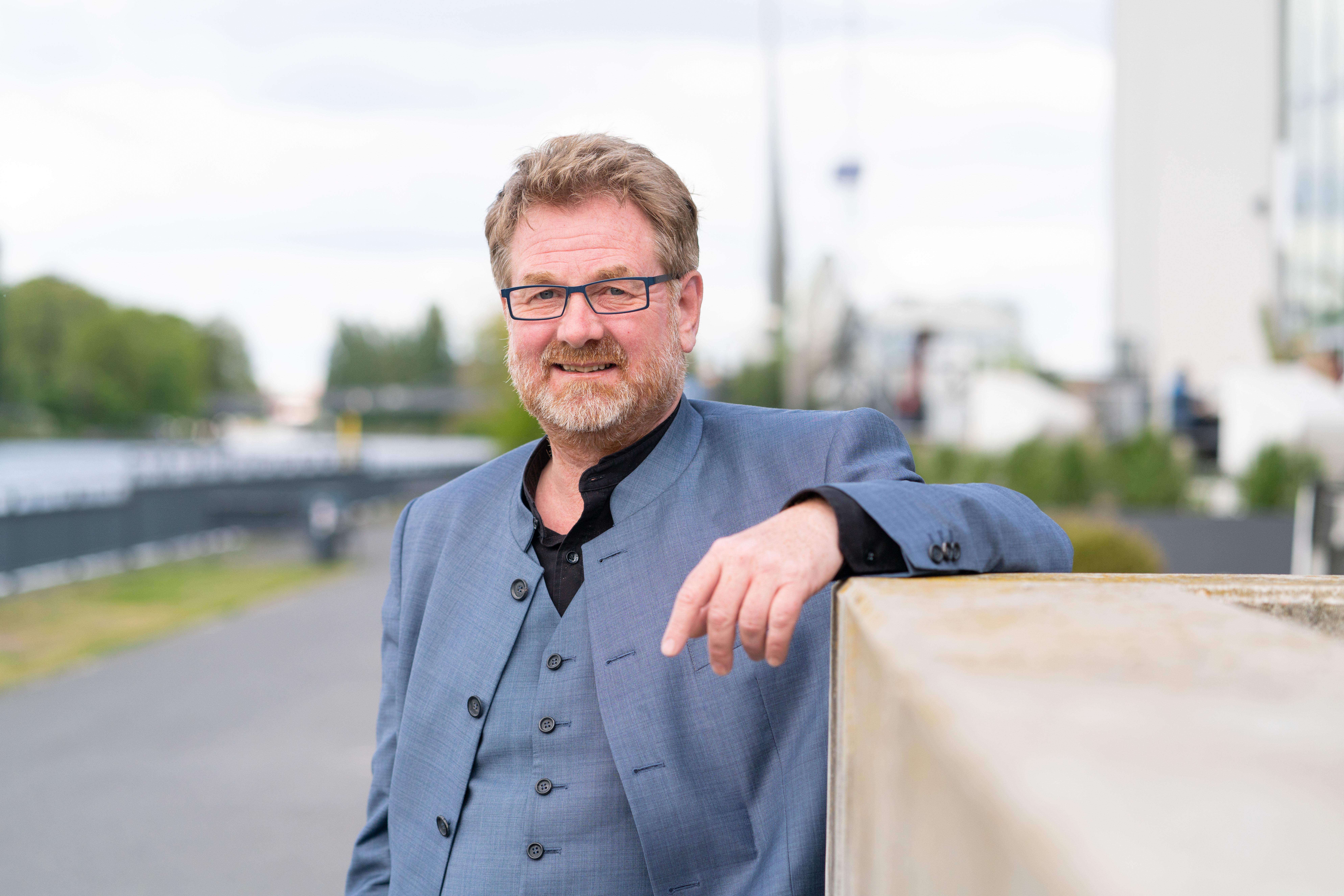 Prof. Dr.-Ing. Carsten Busch